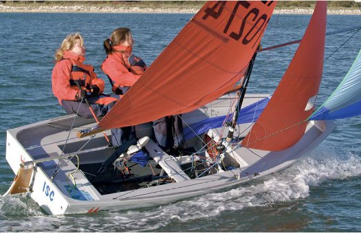 Mirror dinghy 70274 sailing in 2006